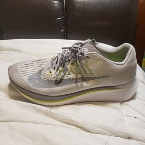 nike zoom fly running shoes